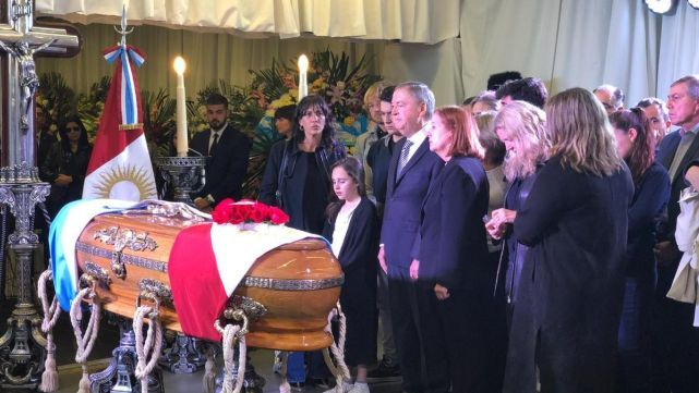 Schiaretti, entre lágrimas, despidió a De la Sota con sentidas palabras