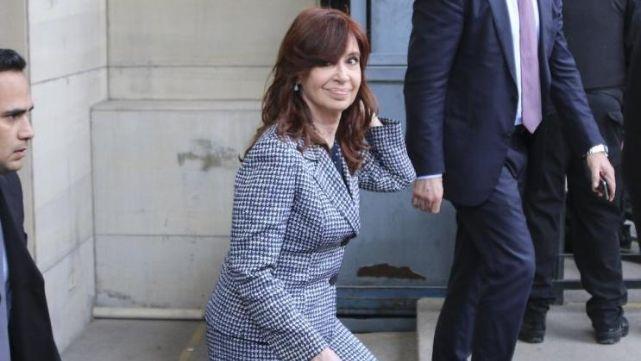 Obra pública: postergaron el inicio del juicio a CFK